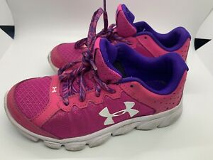 Girls Pink Under Armour Sneakers Shoes Size 2 Y $10.99