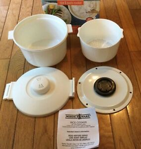 Nordic Ware Microwave Rice Pasta Cooker 8 Cup NEW IN BOX