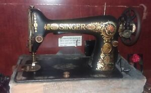 VINTAGE SINGER Sewing Machine portable with case $56.00