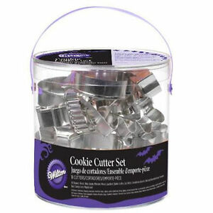 Halloween 18 pc Cookie Cutter Set from Wilton 1131 NEW