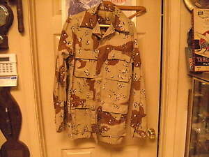 US Military Chocolate Chip Desert Camo Shirt  , 1984 contract date, size Sm/Xl
