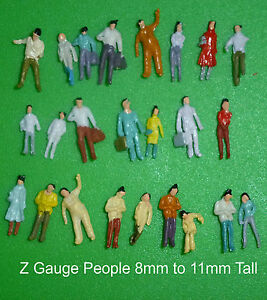 25 z gauge people figures 8mm to 11mm tall