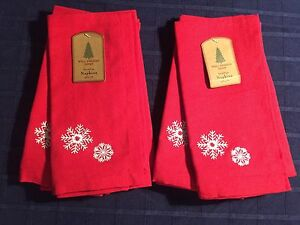 Lot Set 8 Well Dressed Home Red Napkins White Snowflakes