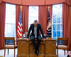 PRESIDENT BARACK OBAMA DEEP IN THOUGHT IN THE OVAL OFFICE 8X10 PHOTO 2016