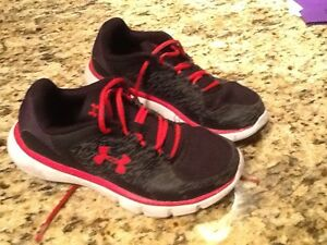 Under Armour Boys Athletic Shoes 3