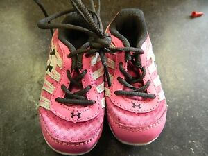UNDER ARMOUR  BABY GIRLS  TENNIS SHOES  SIZE 3 PINK!!