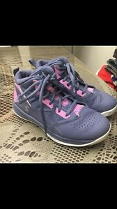 EUC Under Armour Girl's Basketball Shoes Gray Pink Size 1.5Y