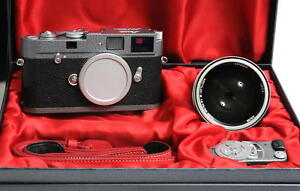 Leica M-A hammer tone Edition with 0.95 Noctilux and Leicameter 10375