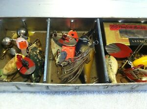 OLD VINTAGE FISHING LURES BAITS SPINNERS LOT IN OLD METAL TACKLE BOX TRAY