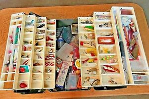 LARGE OLD TACKLE BOX FULL VINTAGE FISHING LURES RARE COLLECTABLE TACKLE WOOD