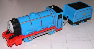 Thomas The Train Gordon Motorized Engine wCoal Car(2013 Mattel) VG Condition