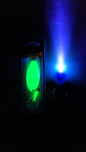 Glow in the dark Acme little cleo 3 4oz. Long Glow Green free ship amp; Glo Charger