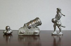 Mortar & Gunner With Ball - Lead Toy - From Vintage Mold