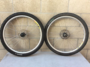 Real Design front  and rear disc hubs with 32MAVIC X 223 DISC in nice condition