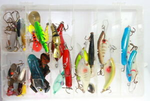 Vintage Poes crankbait wood lure lot + rapala & others 26 lures plano tackle box