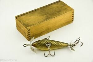 Vintage Uncatalogued Color Pflueger Monarch in Wood Box Antique Fishing Lure