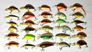 Mixed LOT of (35) Crank baits Plugs and Bass Fishing Lures Rapala