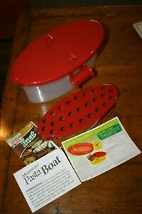 Microwave Pasta Boat As Seen On TV Cooks Drains Serves Stores Holds 5 lbs