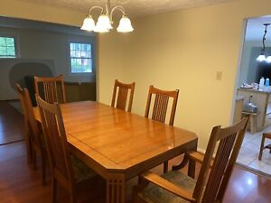 Stickley Mission Dining Set (1 Table, 7 Chairs, 1 Leaf/Extender)