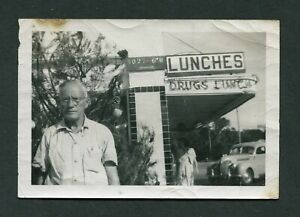 Old 1949 Photo Man Christmas Tree Roadside Diner Lunches Drug Store Car 421086
