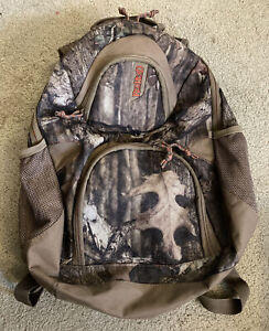 Redhead Camo Hunting Backpack H2O With Water Bladder Option not included USED