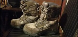 Youth Hunting Boots Size 4. Nothing Wrong With Them.