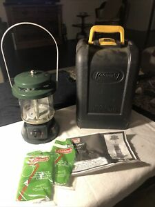 COLEMAN PORTABLE PROPANE CAMP LANTERN Model 5155B With Padded HARD Case $24.00