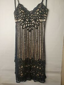 Sue Wong Black Nude Crochet Knit Overlay Lace Trim Dress Size 8 Cocktail $42.95