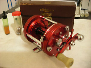 RARE Minty Abu Ambassadeur 6000 Red Vintage Reel After Record AWESOME IN CASE