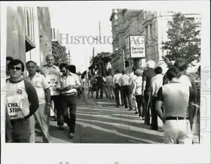 1983 Press Photo Telephone Workers Strike on State Street in Albany New York $12.88