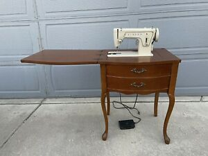 Vintage Singer Sewing Machine Table. Tested Works Great $269.00