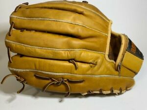 Pre Owned REGENT BASEBALL 11quot; GLOVE MAG TWO RIGHT HAND THROW 0 2996 Korea $13.60