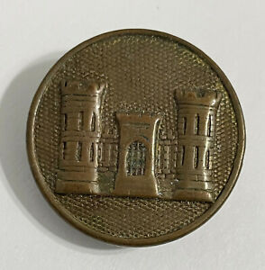 Vintage Army Corp of Engineers CORP CASTLE 1quot; Hat Lapel Pin Badge $19.99