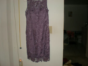 Adrianna Papell Lace Purple Lavender Lined Women Dress size 4 6 Small Medium NWT $55.99