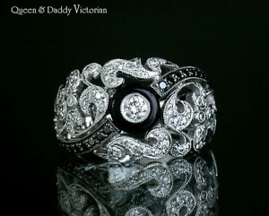 VICTORIAN - 18K(750) White Gold Fine Diamond & Black Diamond Onyx Design Ring