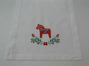 Swedish Dala Horse amp; Flowers Embroidered Cotton Table Runner 14quot; x 52quot;
