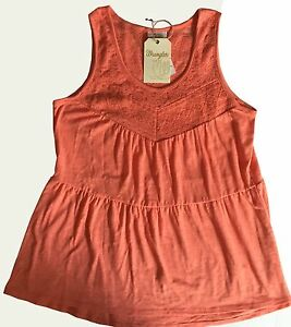 NWT Womens Wrangler Signature Tiered Lace Solid Trim Coral Tank Top Large New $15.00