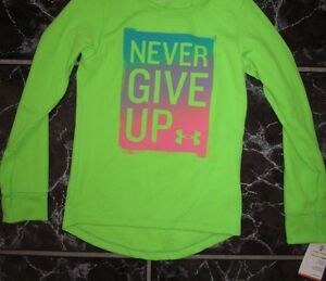 KID'S UNDER ARMOUR THERMAL STAY DRY FITNESS GREEN NEVER GIVE UP SHIRT SIZE 5
