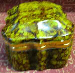 Antique Vintage BORGHESE Pottery Trinket Box and Lid Antique with Original Lable $99.00