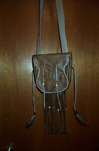 BLACK POWDER MOUNTAIN MAN  BEAVER TAIL DESIGN LEATHER POSSIBLE BAG