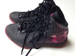 Under Armour Girls Basketball Sneakers Size 7~Black and Pink High Tops