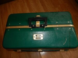 Vintage Umco 3500U Possum Belly Tacklebox - Loaded with Vintage Lures