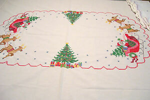 8 Christmas Napkins Completed Cross Stitch plus Cutter Tablecloth