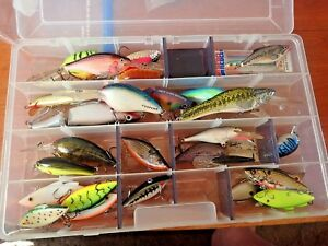 TACKLE BOX OPEN WATER 606 28 BASS FISHING LURES RAPALA BOMBER BAGLEY RATTLE TRAP