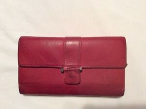 Fossil Women's Tri-Fold Wallet Red Pebbled Leather
