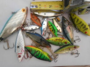 14  RATTLING FISHING  LURES BILL LEWIS CORDELL NORMAN OTHERS
