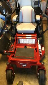 FERRIS 36 INCH CUT COMMERCIAL ZTR MOWER ONLY 25 HOURS