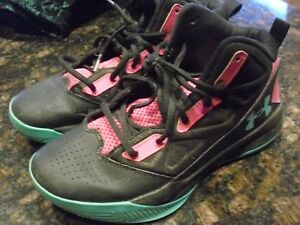 Girl's Under Armour Basketball Shoes Size 5.5 Y 4501058439
