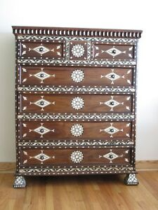 Syrian dresser-chest-dresser inlaid with mother of pearl Moroccan arabic design