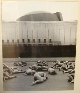 SPENCER TUNICK NY United Nations Building Photo 46x57 cm FIRST WORK 1994